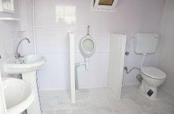תאי שירותים/מקלחות